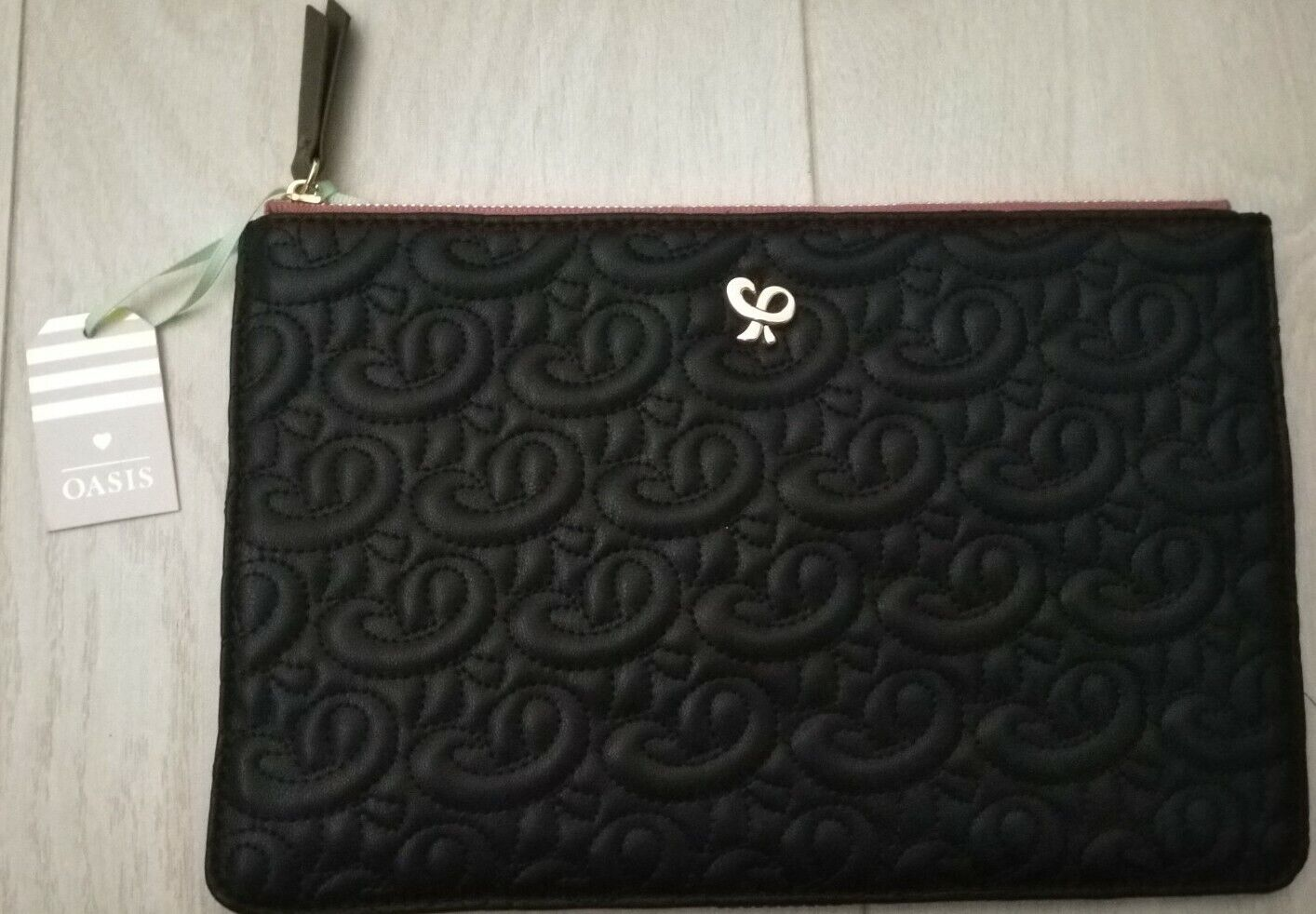 Oasis Quilted Black Pouch Purse BNWT
