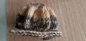 Sweet-Knitted-Hat-With-Ear-Holes-And-Roll-Edge-For-Approx-7-1-8in-Bears