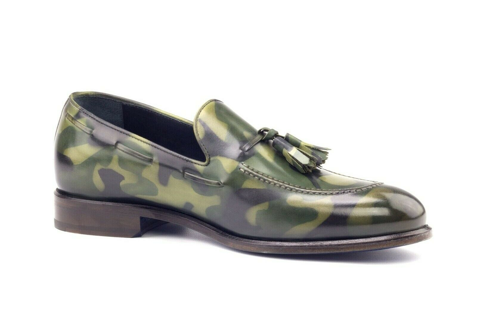 Handgjorda mattor av manligt kamouflage läder loafers egna läderskor