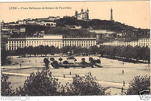 69-CPA-Lyon-Platz-Bellecour-und-die-Coteau-De-Fourviere-H6711