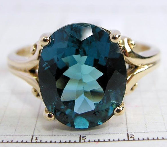 R080 Genuine 9ct 10K, 18K Solid gold LARGE London bluee Topaz Ring Oval Solitaire