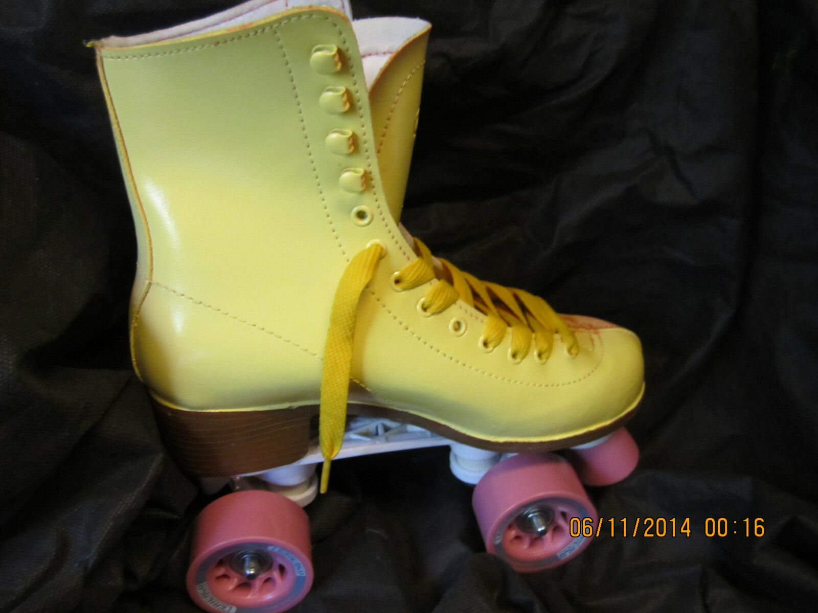Women Yellow & White Size 6, heel to toe 9 3 16 inches, No More Rentals