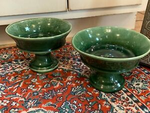 IN-STYLE-OF-HAEGER-HULL-MCCOY-POTTERY-PAIR-SET-2-GREEN-PLANTER-PEDESTAL-FOOTED