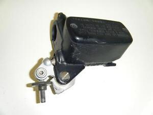 98-03-HONDA-CBR1100-Xx-Super-Blackbird-ST1300-VFR800-Avant-Frein-Maitre-cylindre