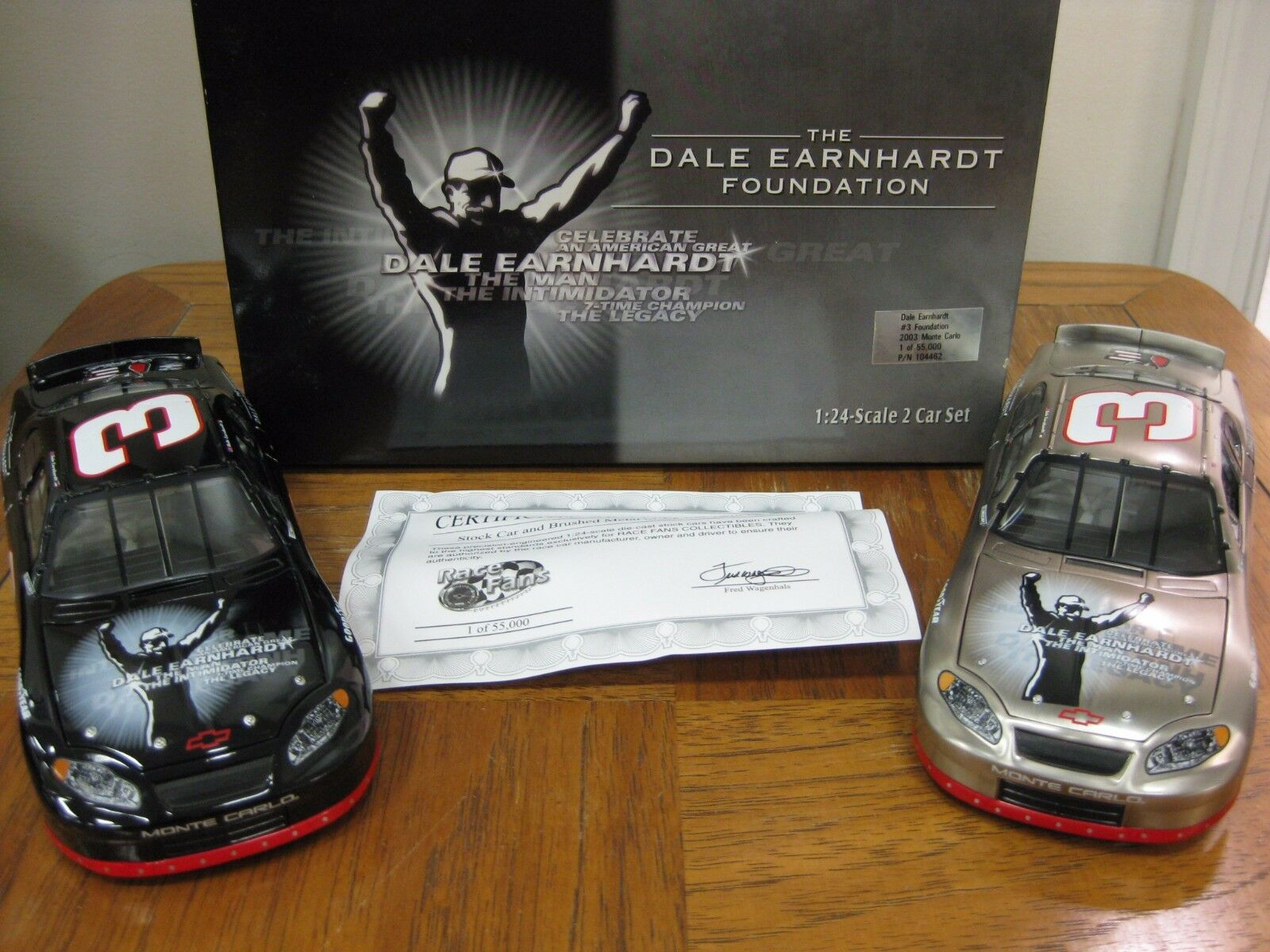 Dale Earnhardt  3 Foundation 2003  Monte voiturelo Two voiture Set 1 of 55,000 P N 104462  se hâta de voir