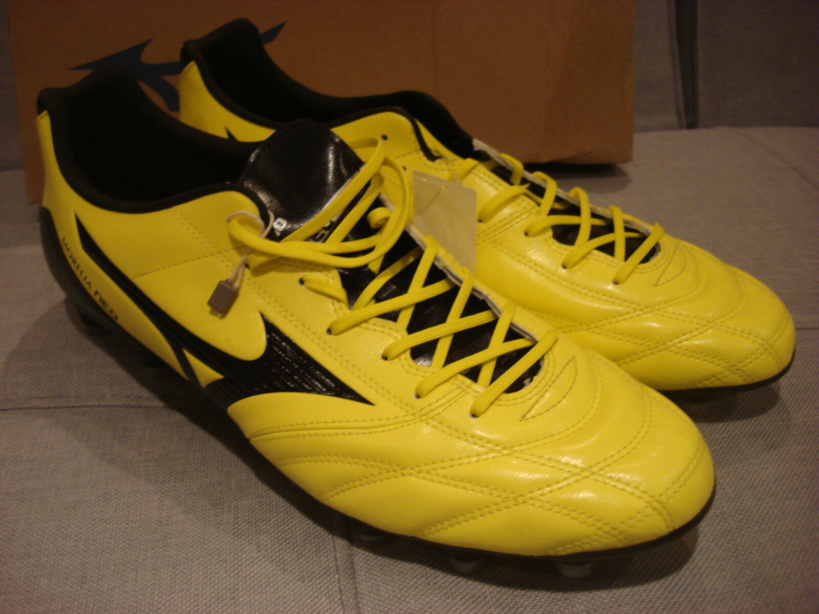 MIZUNO MORELIA NEO UT MC SOCCER FOOTBALL SIZE 13 P1GA151594 SHOES - BRAND NEW