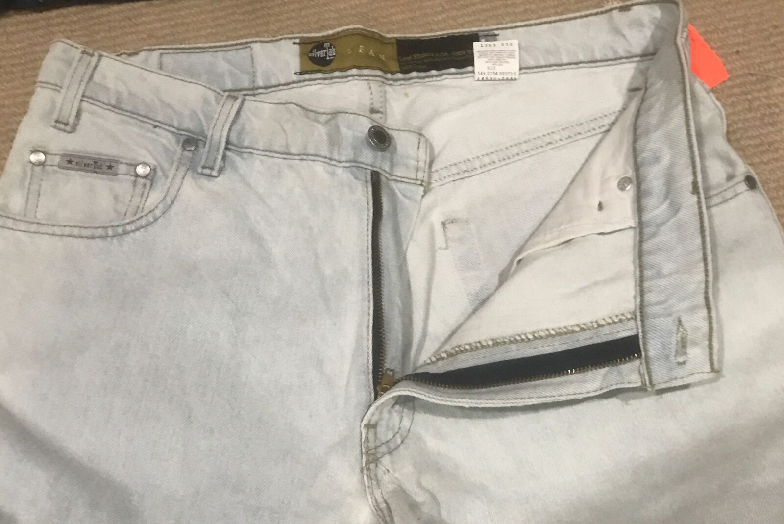 Vintage Levis Silvertab 36x32 Made In USA - image 2