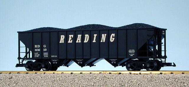 USA Trains G Scale 14015 70 TON 3 BAY COAL HOPPER Reading