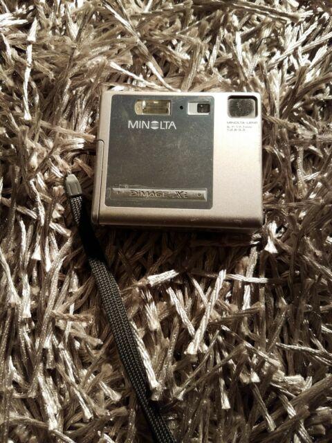 Minolta Konica DiMAGE Xi Digital Camera - Silver