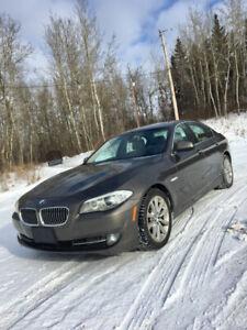 2013 BMW 528i X-Drive - 141KM - $17,500 OBO