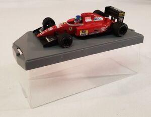 Onyx-1992-Ivan-Capelli-Ferrari-F-92-un-F1-coche-de-Formula-1-numero-28-1-43