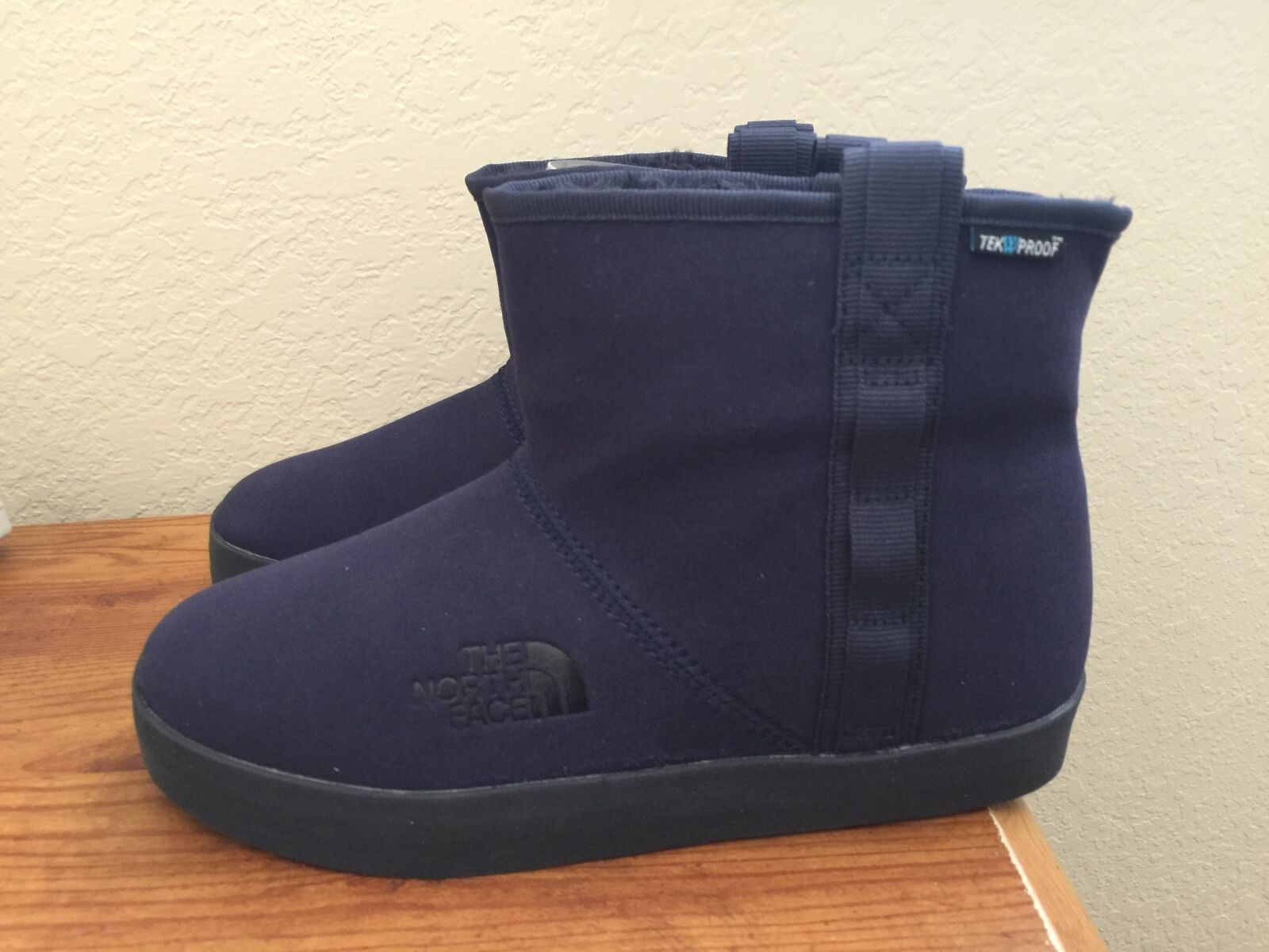 New Authentic Navy Blue NORTH FACE Winter Camp Short Slipon Boots Bootie 7 7.5