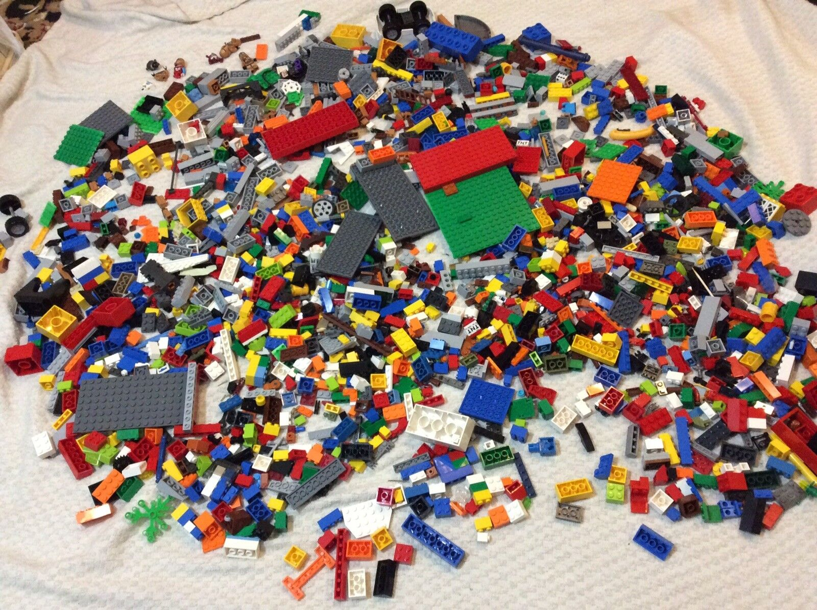 HUGE 6 LB LOT of Legos 1000's of pieces