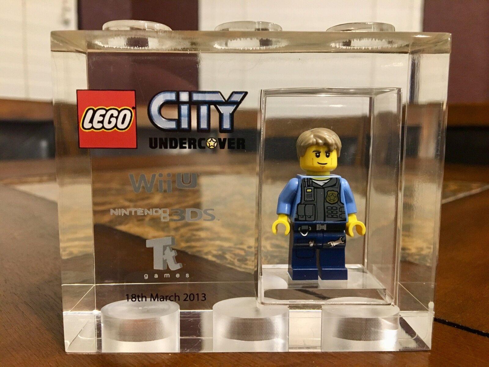 Lego TT Games trofeo Ladrillo Lego City Chase Sdcc más raro que el señor oro Muy Rara