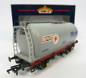 OO-Gauge-Bachmann-37-583-45T-TTA-Tank-Wagon-MOBIL-Grey