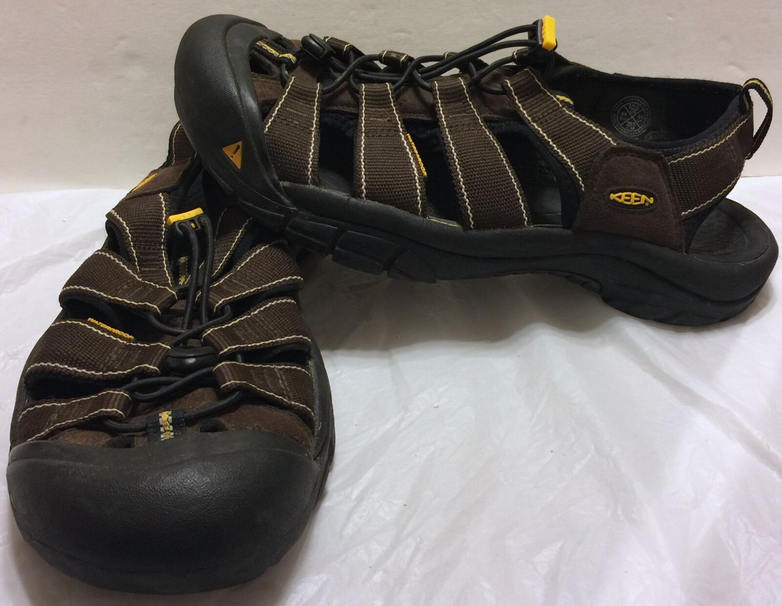 Keen Hiking Waterproof marrone Sandals Sz 10.5 Footbed Outdoor Trek Hike Trail