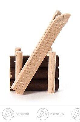 Holzstapel mit Ski BxHxT 3,1 cmx4,7 cmx2 cm NEU Pyramide Weihnachtspyramide