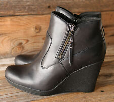 UGG Australia Meredith Black Winter Leather Sheepskin Wedge Ankle Boots US 7.5