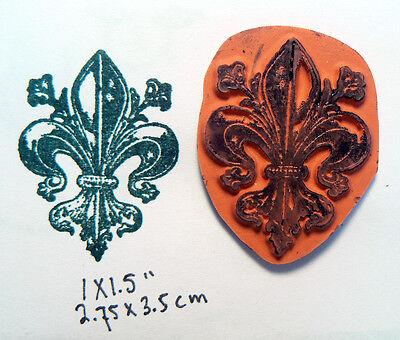 P46   Fleur de lis  rubber stamp UN mounted