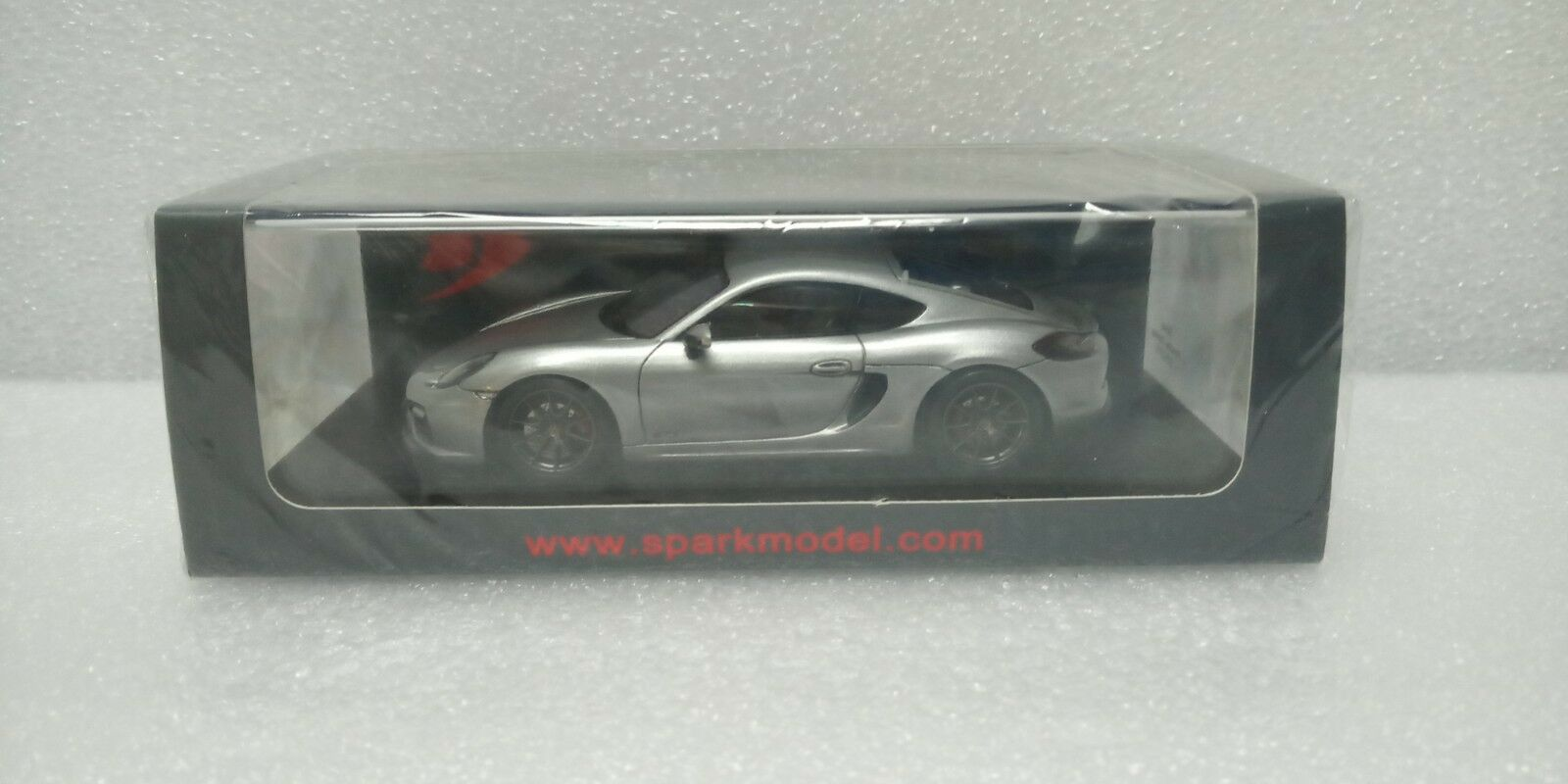 Porsche Cayman GTS 2015 Spark MODEL 1 43 S4940