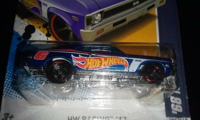 HOT WHEELS RACING '12 '68 NOVA