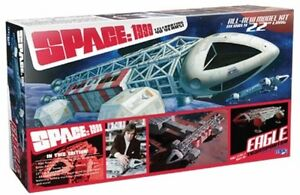 MPC-1-2-Space-1999-Eagle-Transporter-Special-Edition-with-Bonus-Artwork-amp-Sign