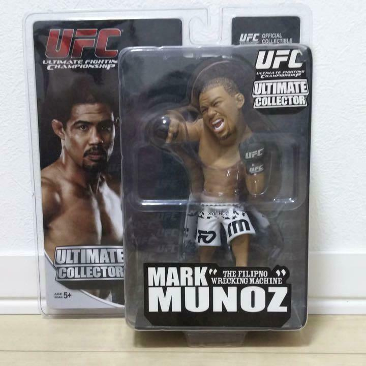 UFC ULTIMATE COLLECTION MARK MUNOZ MMA K-1 FIGHTER FIGURE