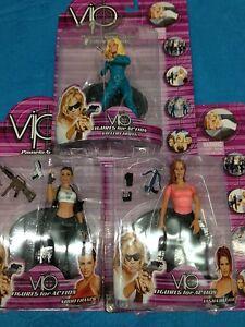 Ensemble De Trois Figurines Vip Avec Pamela Anderson Comme Fers De Vallery
