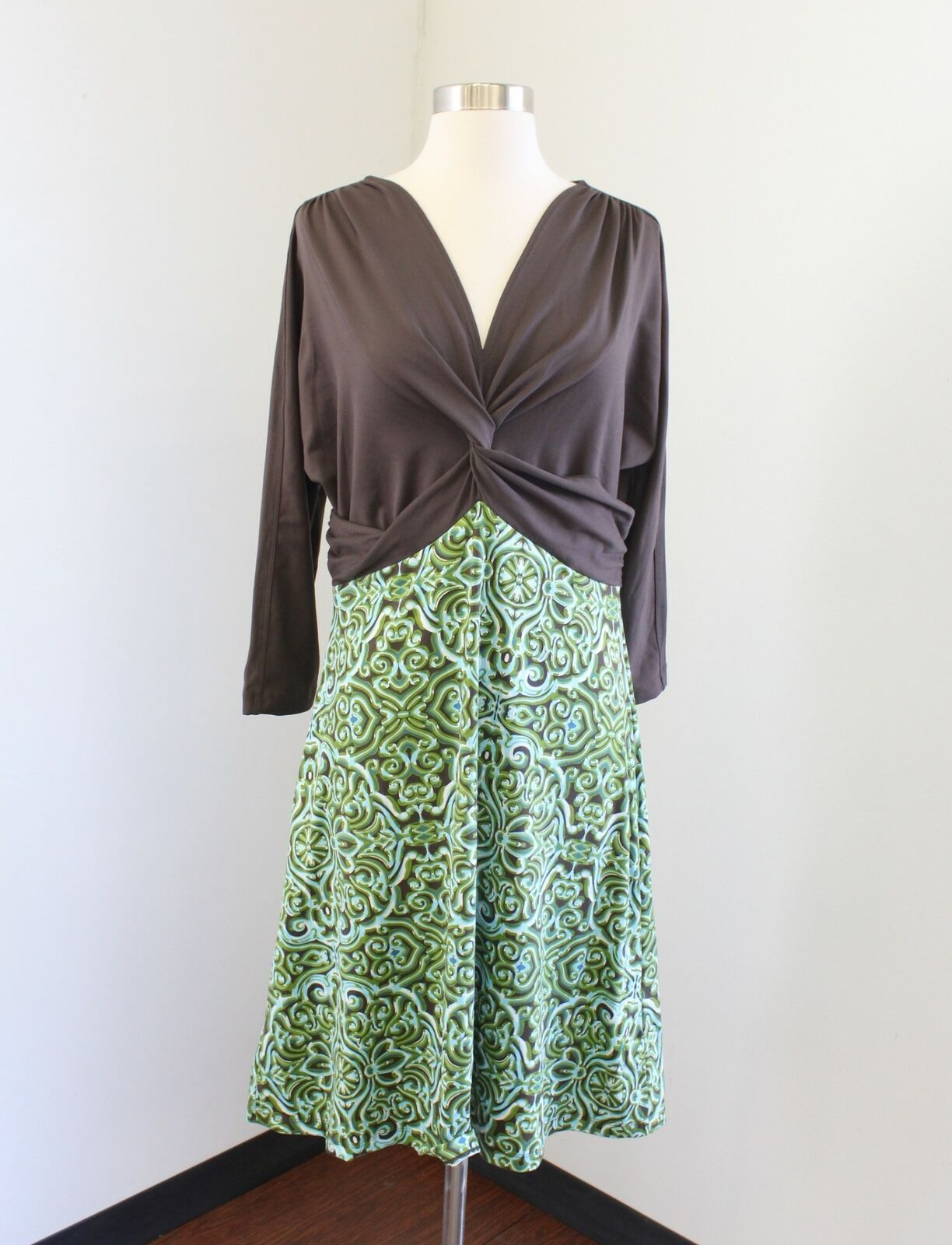 NWT Title Nine Brown Green Mgoldccan Tile Print Dress Size L Geometric Ruched