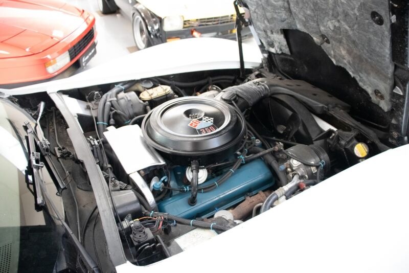 Chevrolet Corvette V8 Stingray - 10