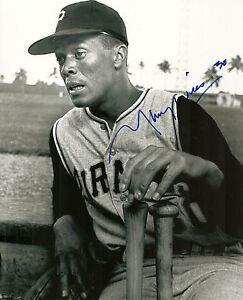 MAURY WILLS PITTSBURGH PIRATES SIGNED AUTO 8x10 PHOTO W/COA