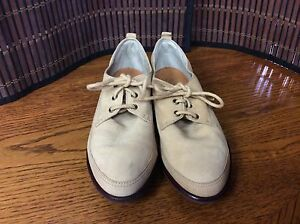 Womens-shoes-size-6-beige-leather-flats-Nike-Air-F42
