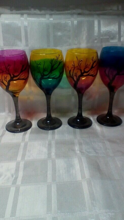 Hand Hand Hand Painted Set Of Four Gothic schwarz Tree Large Wine Glasses 263220
