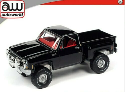 Auto World 1:64-1980 Chevrolet Custom Deluxe 10 Stepside PRE ORDER BLACK