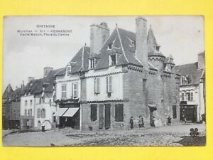 cpa-Bretagne-HENNEBONT-VIEILLE-MAISON-Place-du-centre-Commerce-DRAPERIES