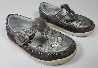 Clarks first shoes silver leather infants shoes 4.5f eu 20.5m