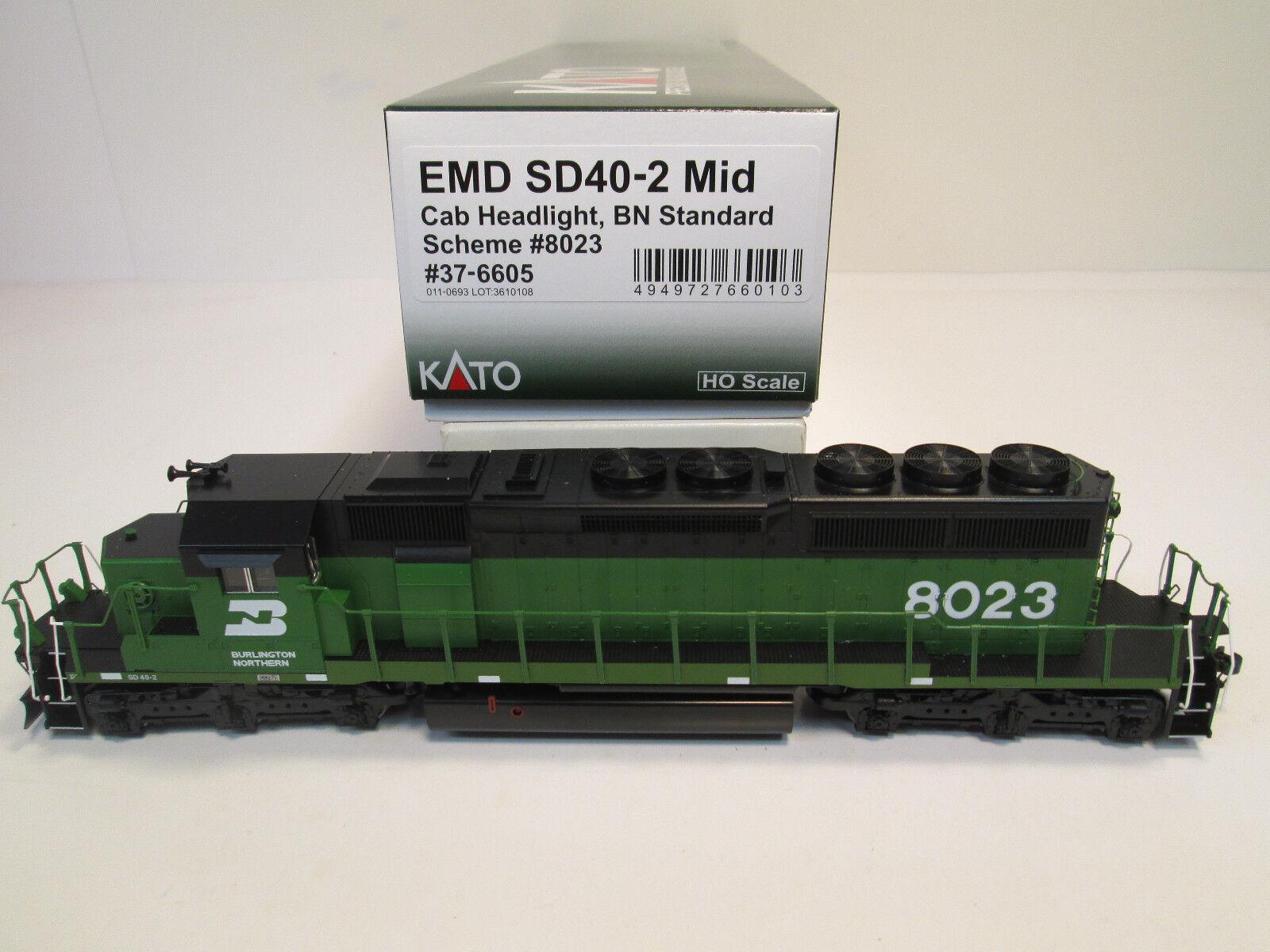 Kato Burlington Northern EMD SD 40-2 Mid 8023 (Kato 37-6605)