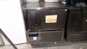 cellule-de-refroidissement-et-de-congelation-polar-DN492-E-02