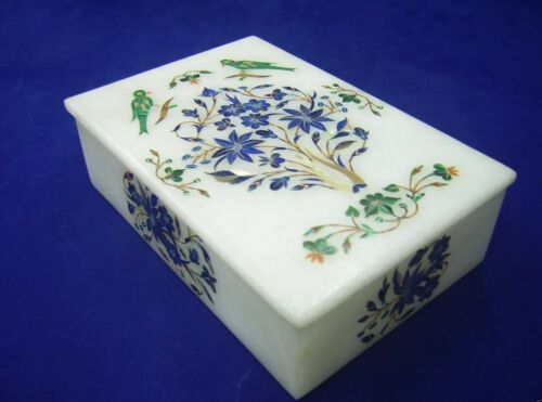 Indian box in white marble and semi-precious stones floral decor
