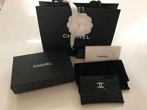 d2844f9195ff La foto se está cargando Nuevo-con-etiquetas-Chanel-oro-CC-Soporte-para-