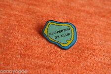 00352 PIN'S PINS ILE DE LA PASSION CLIPPERTON DX CLUB RADIO ISLAND