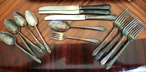 Vintage-1940-039-s-WM-Rogers-amp-Son-Exquisite-IS-18-Piece-Silver-Plate-Flatware-Set