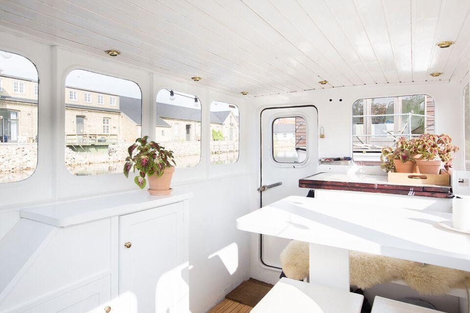 Husbåd med attraktiv fast plads i Kbh K
