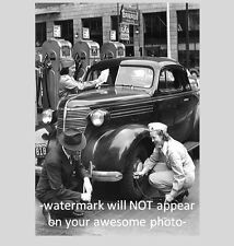 1942 Vintage Gas Station Girls PHOTO, ASSOCIATED GAS Flying A,Service Attendants