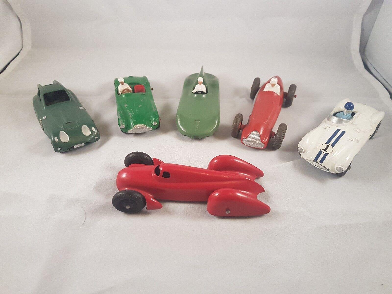 Collection de post war racing cars, 5x dinky et 1x Crescent.
