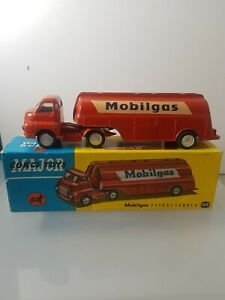 CORGI-1110-MOBILGAS-PETROL-TANKER-P-9