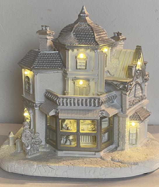 Winterhaus mit LED Weihnachten Deko Winterlandschaft Winter 21*22,5*14,5 cm