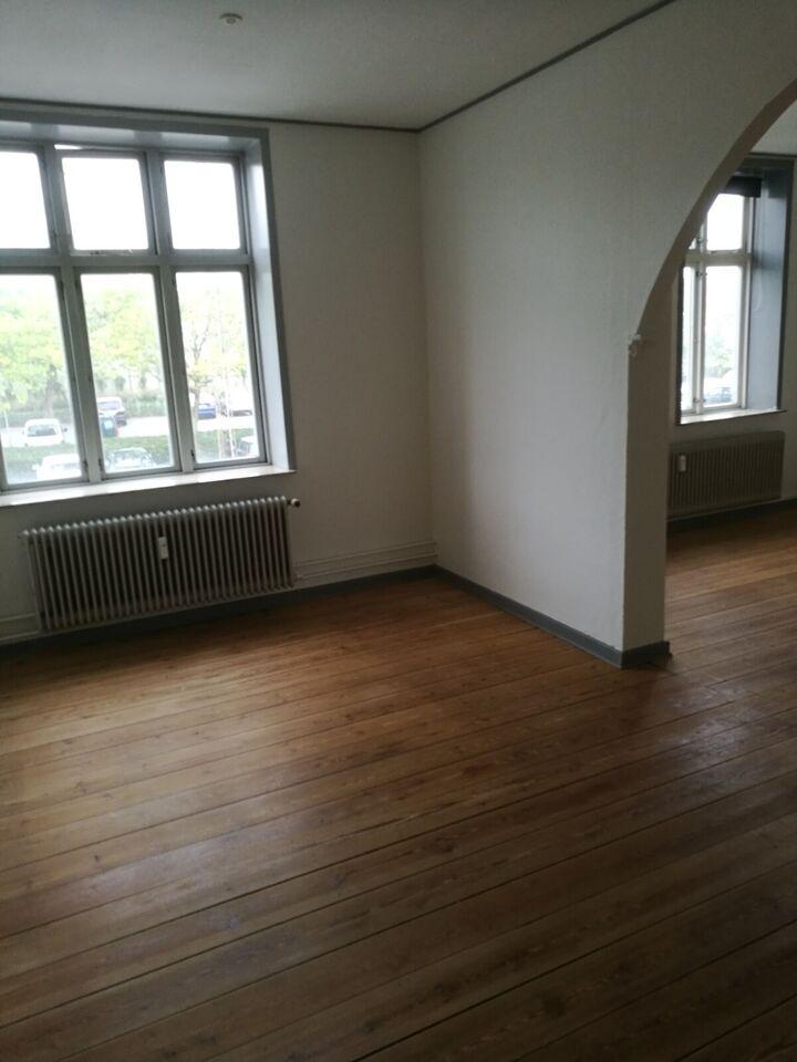 6100 2 vær. lejlighed, 87 m2, Jomfrustien 26 1