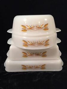 Anchor-Hocking-Fire-King-GOLDEN-WHEAT-Set-of-4-Ovenware
