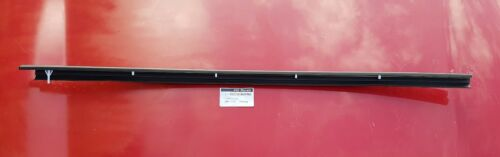 GENUINE MG MGF MGTF Offside Right Side Door Outer Window Rubber Seal Waistrail